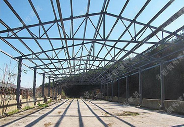 钢桁架屋面